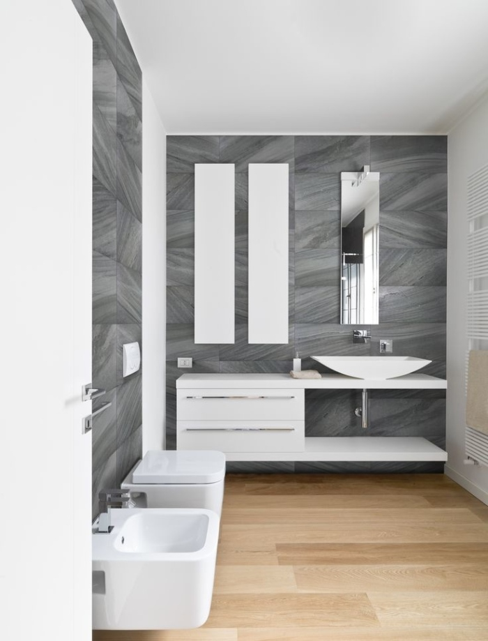 Neat and elegant bathroom with amazing fixtures