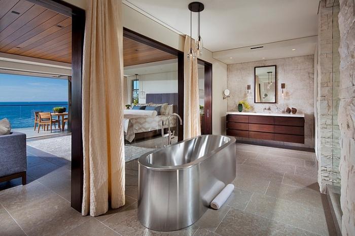 Bathroom structure with a sturdy metallic finish of the bath tub