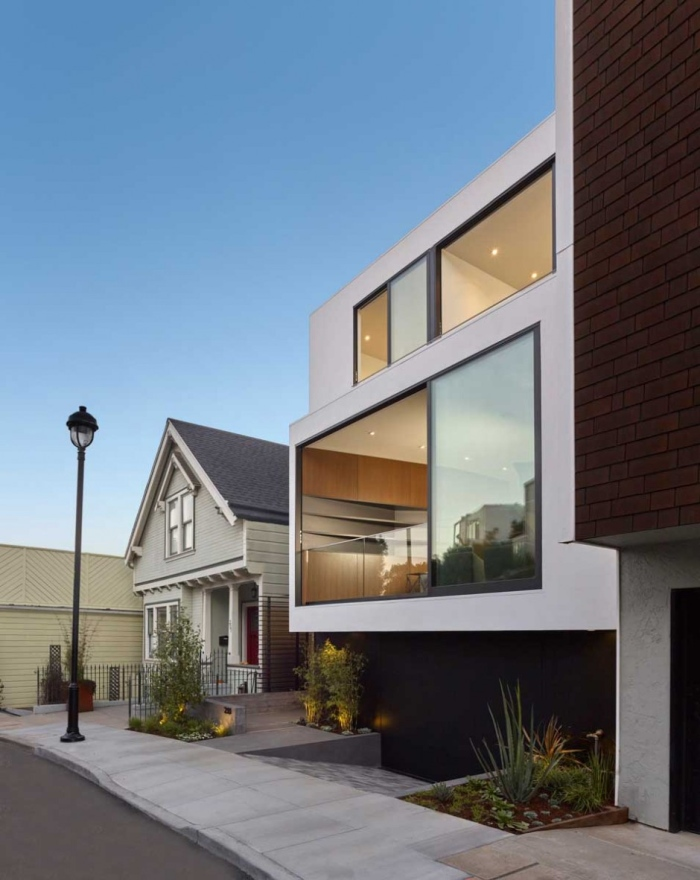 Laidley street residence with the glass