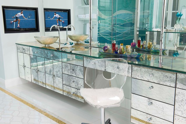 The glass factor has matched up with the all-glass feel of the room