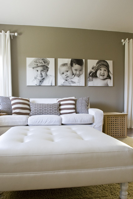 Bedroom gives an aesthetic appel with grey wall