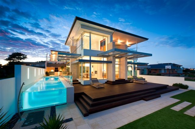 The attractive thing is the glass end to the pool