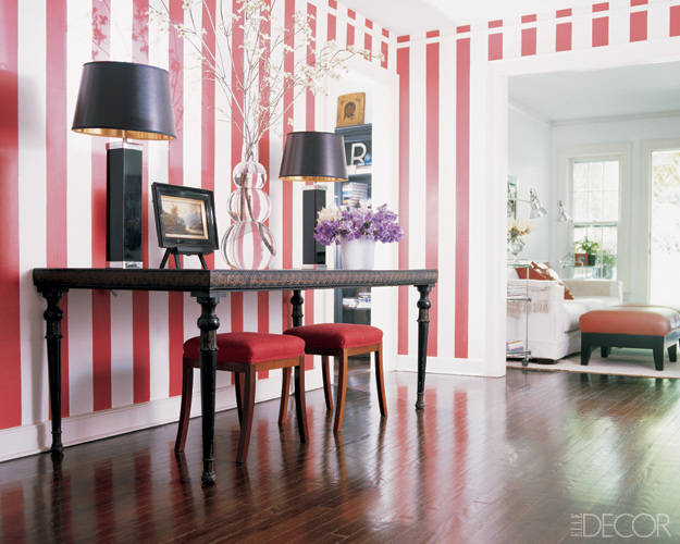 Red and white vertical striped wallpaper design