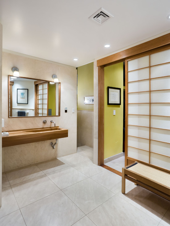 Bathroom with low bench with clean shutters