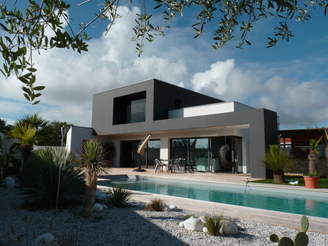 The house is a contemporary and modern styled design