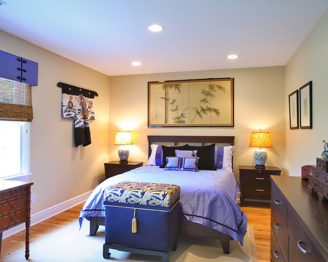 Bedroom with shades of purple