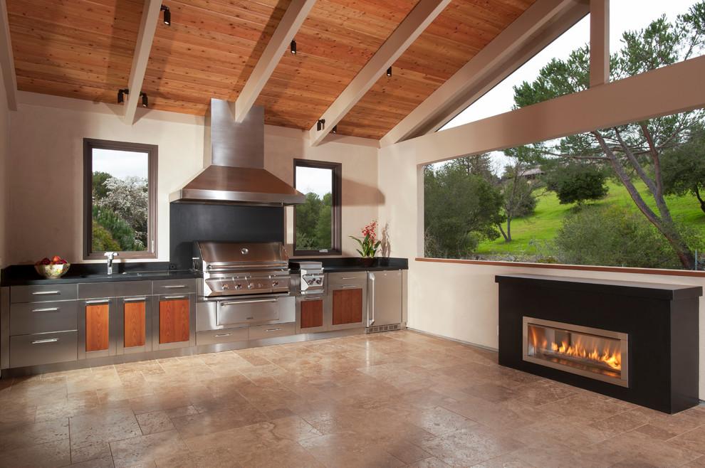 10 stunning outdoor kitchens fireplaces interior design ideas. Black Bedroom Furniture Sets. Home Design Ideas