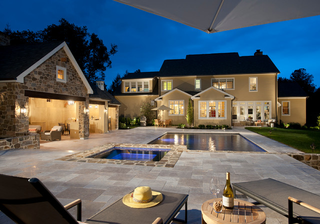 Contrasting deck flooring in dark and light shades