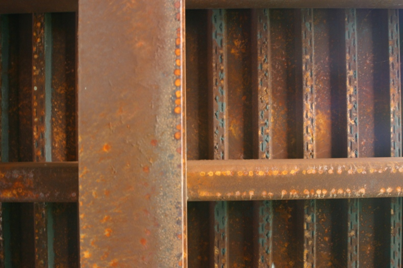 Detailing on the rusted iron gives a horizontal and vertical layer