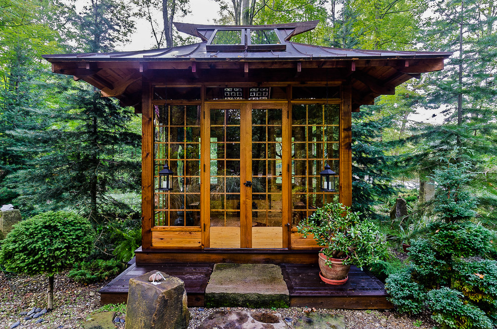 Cool japanese garden plans for Garden glass house designs