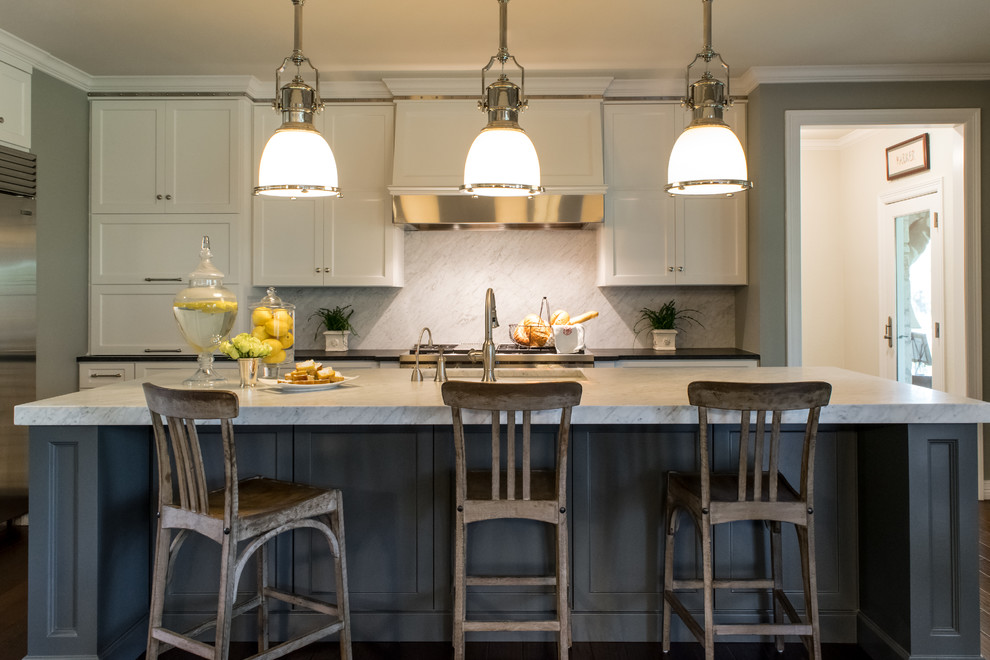 Pendant lights over island for Over island light fixtures