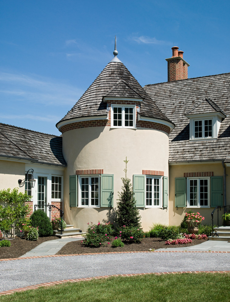 Traditional houses with turrets for Conventional homes