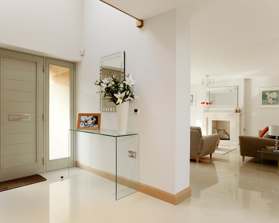 Entrance with Lucite table