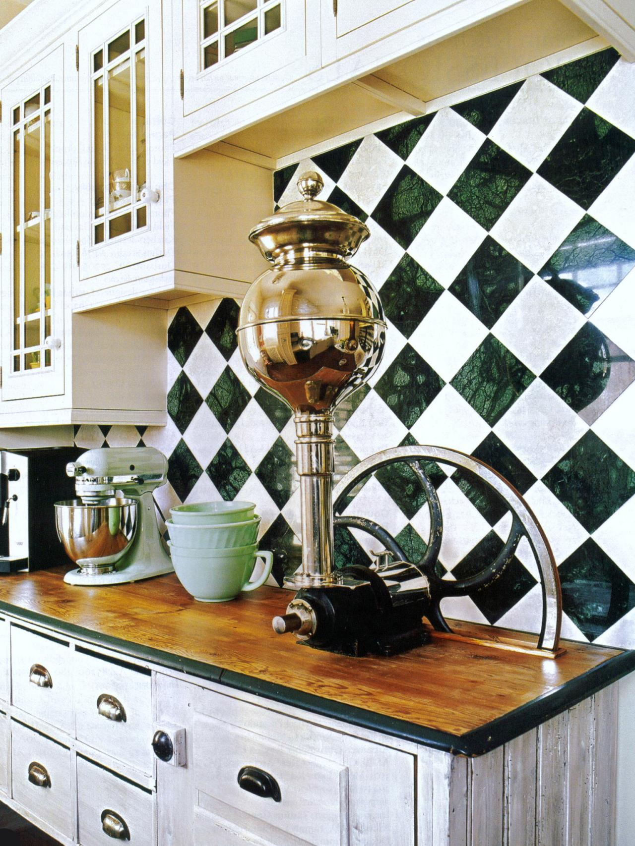 Checkerboard Marble Backsplash