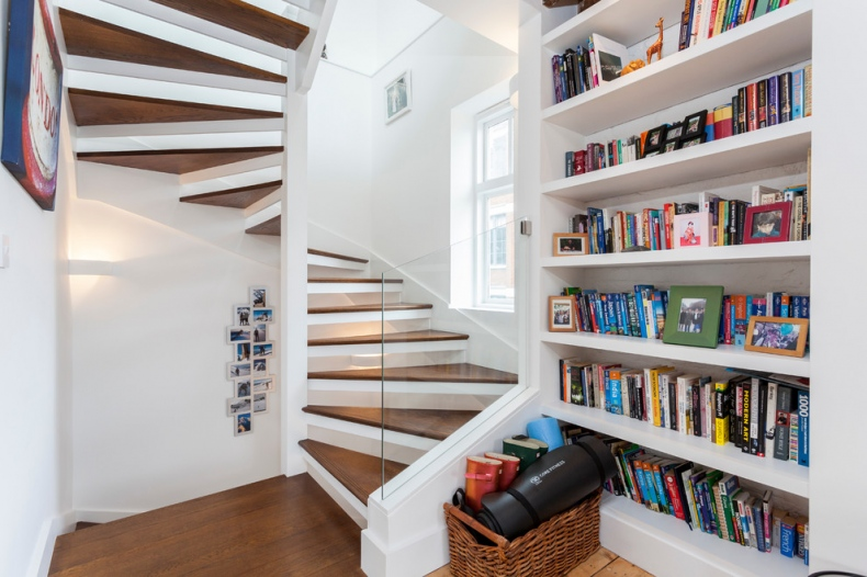 Staircase for small spaces ideas - Staircase options for small spaces property ...