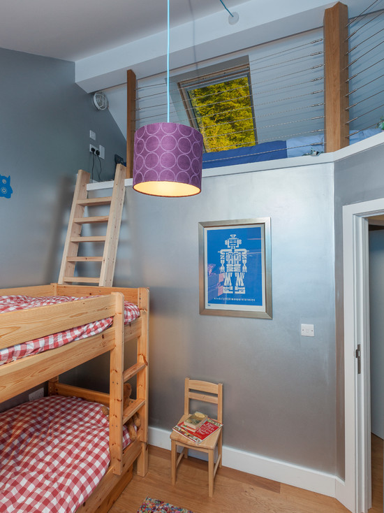 Simple wooden ladders beds looks great