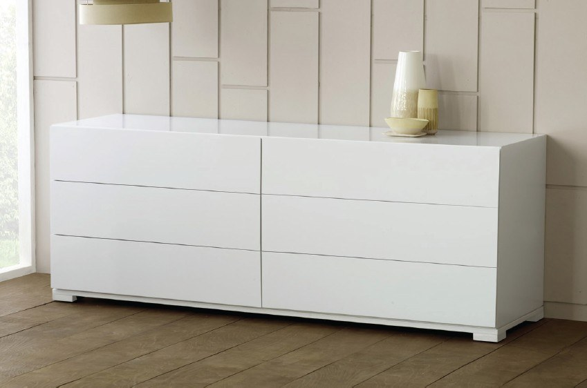 This chest of drawers will sure integrate perfectly in your setting