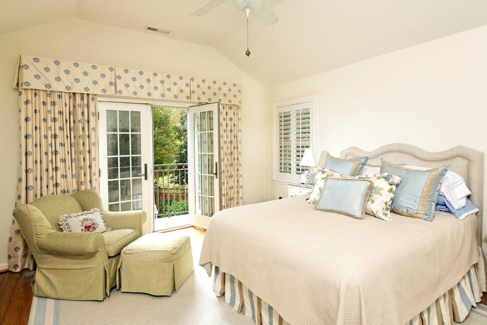 Bedroom with a floral curtain