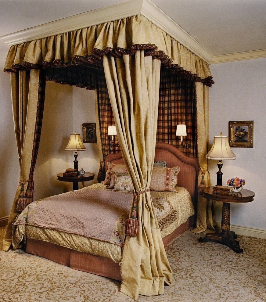 Elegant canopy beds for sophisticated bedrooms for Bedroom bed designs images