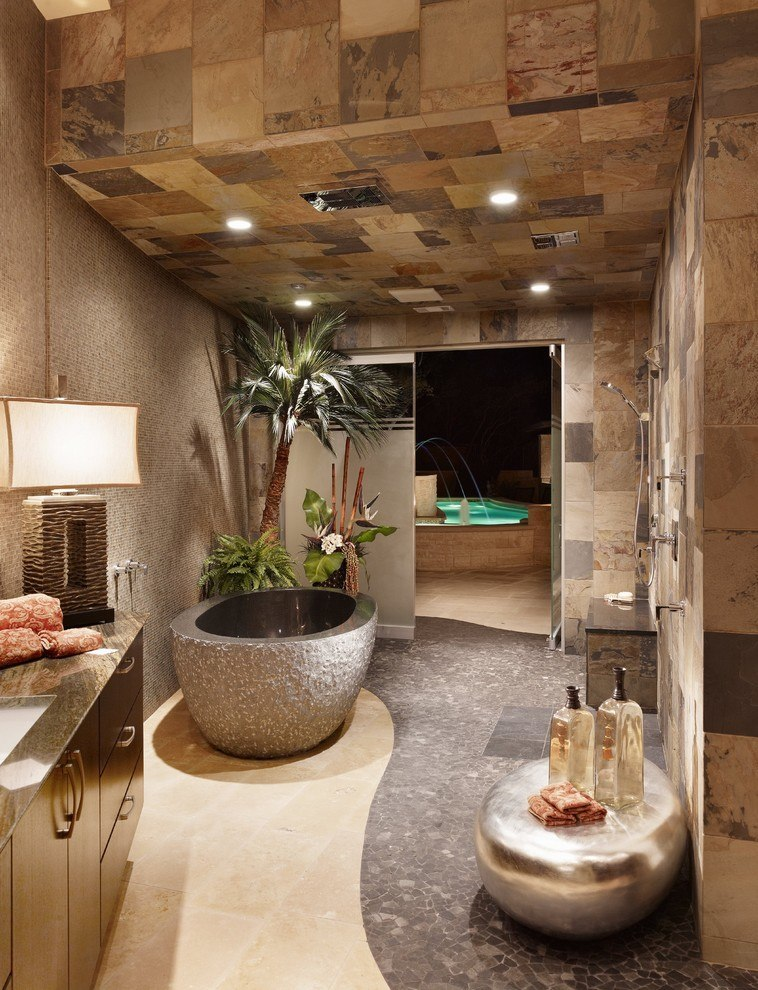 Bathroom with palm tree grove