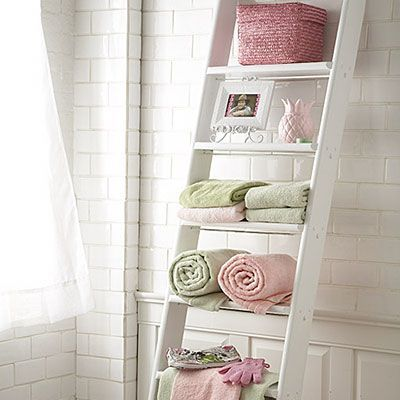 Bathroom with pastel colors