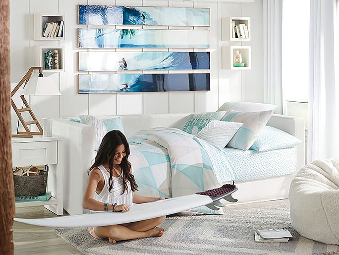 Teenage bedrooms for girls ideas for Surfers bedroom design