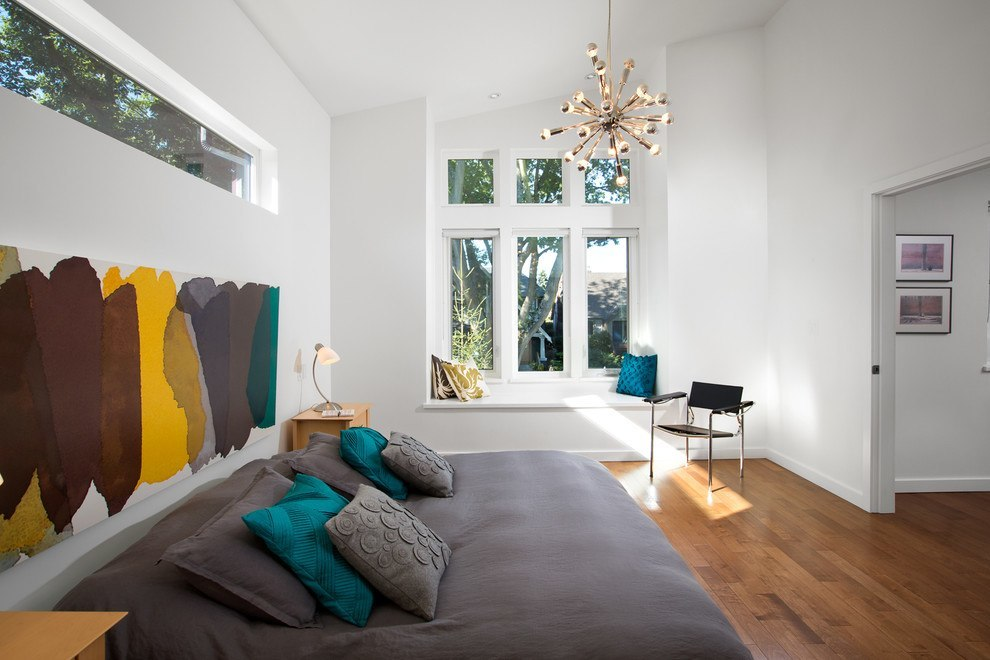 Bedroom with colorful painting
