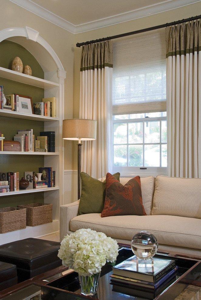 Light coloured curtains