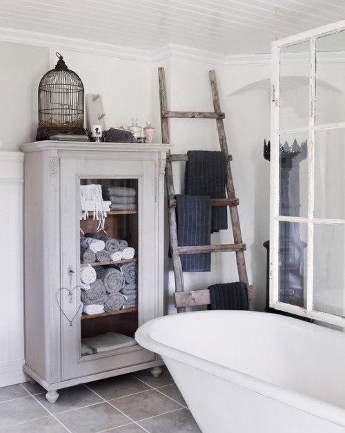 Vintage cabinet beautifies the room