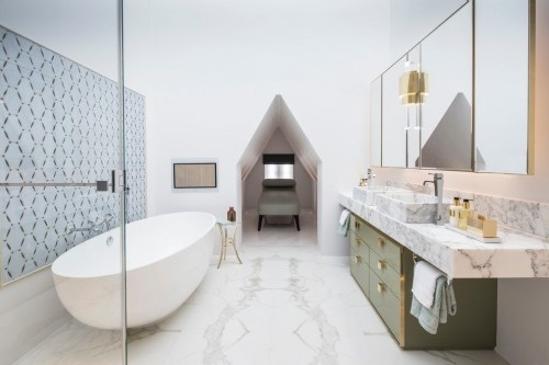 Bathroom with a white bathtub