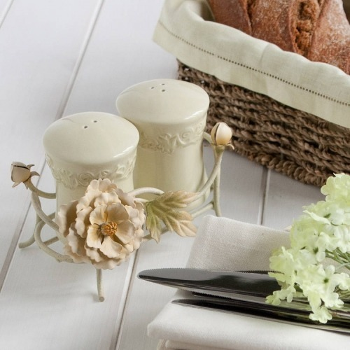 Shabby chic floral pots
