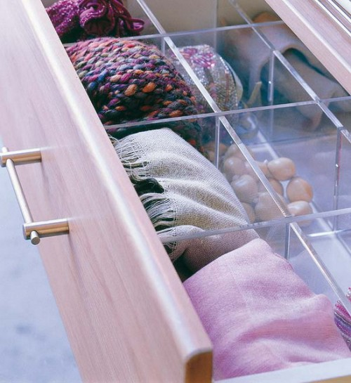 Acrylic dividers to your drawer maintain the modern and clean feeling