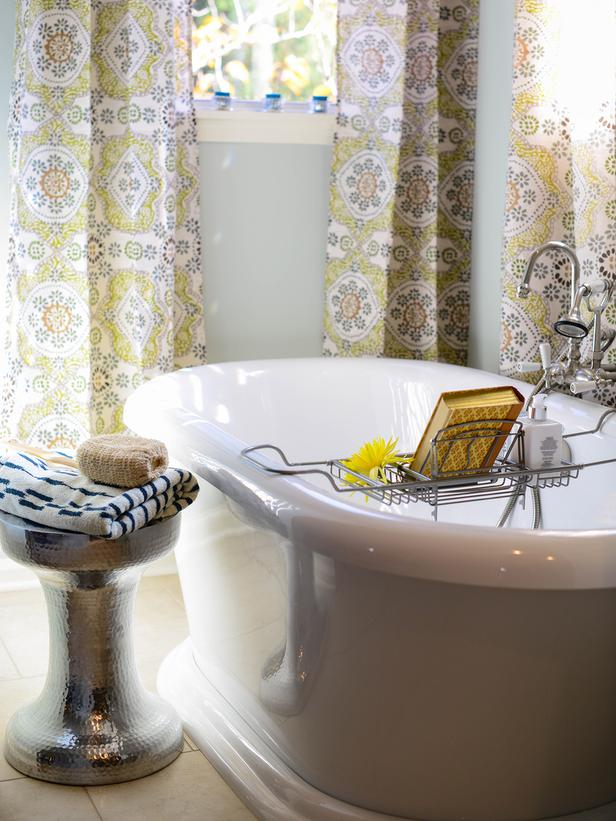 Bathroom with yellow curtains