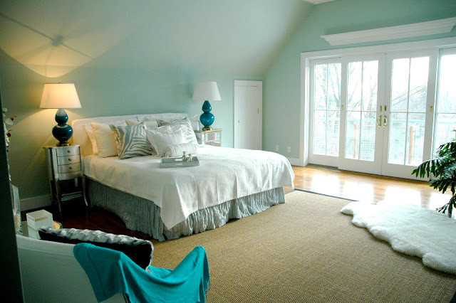Light and airy room