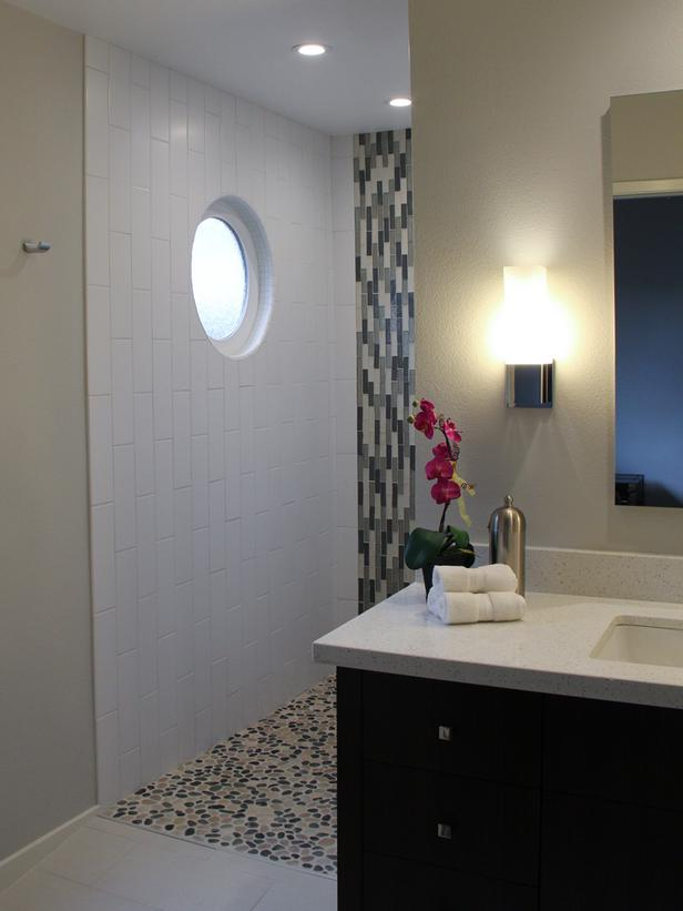Bathroom with a porthole window