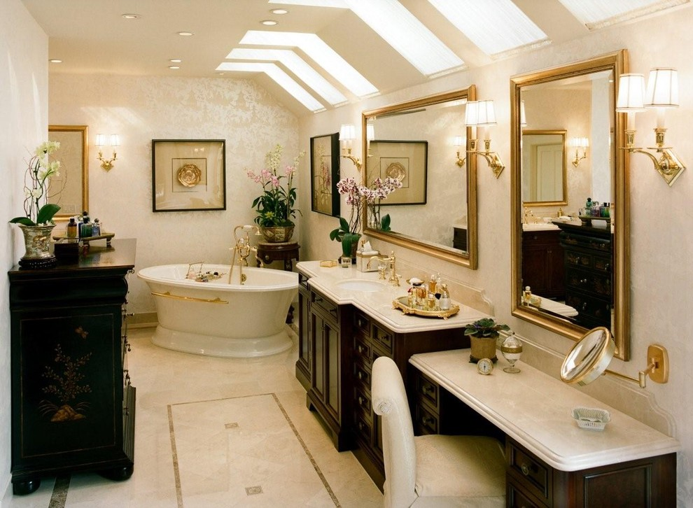 Large bathroom with bold colours
