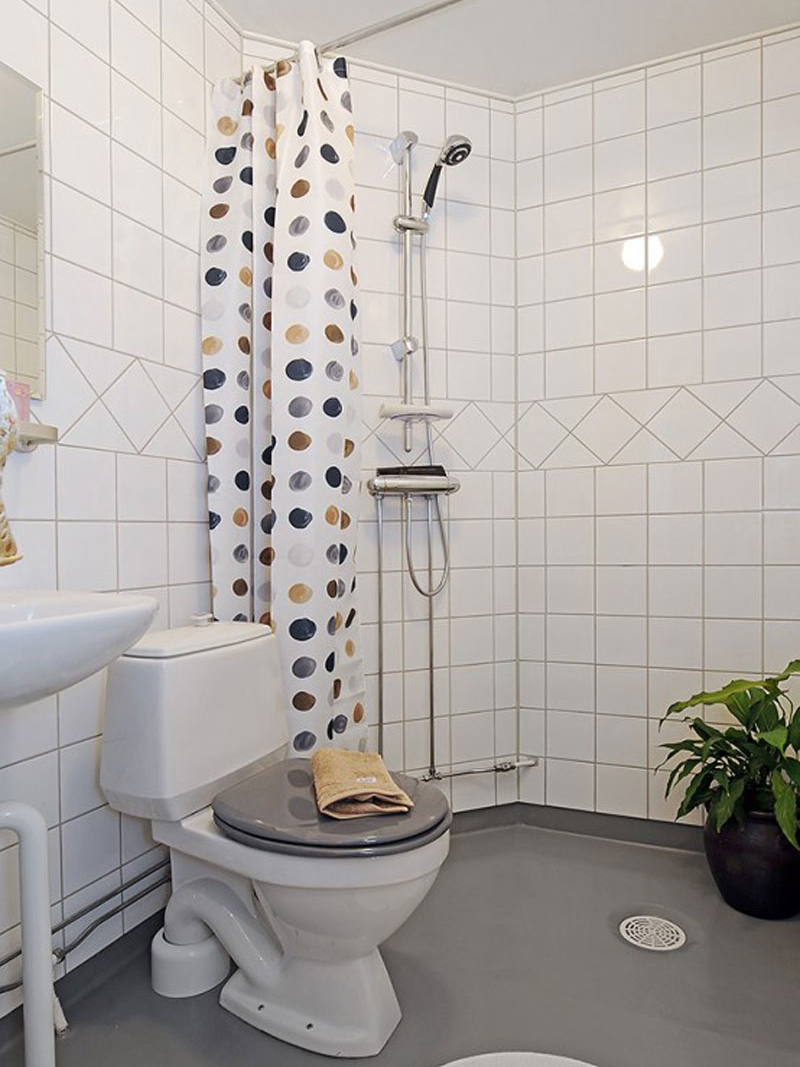 Bathroom with the polka dotted shower curtain