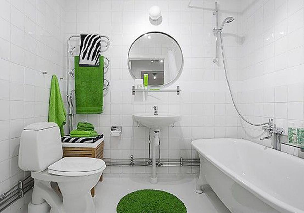 natural-spacious-white-bathroom