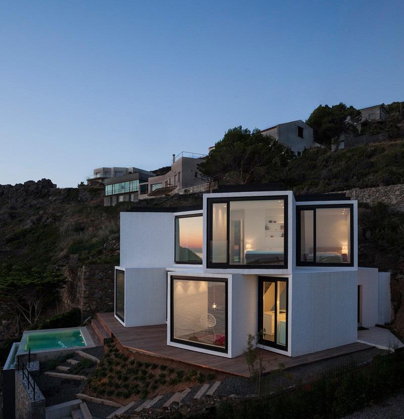 4-sunflower-house-exterior