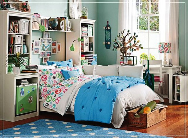 Teen bedroom with storage
