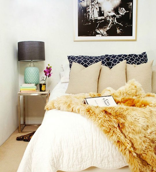 Bedroom with a big bed