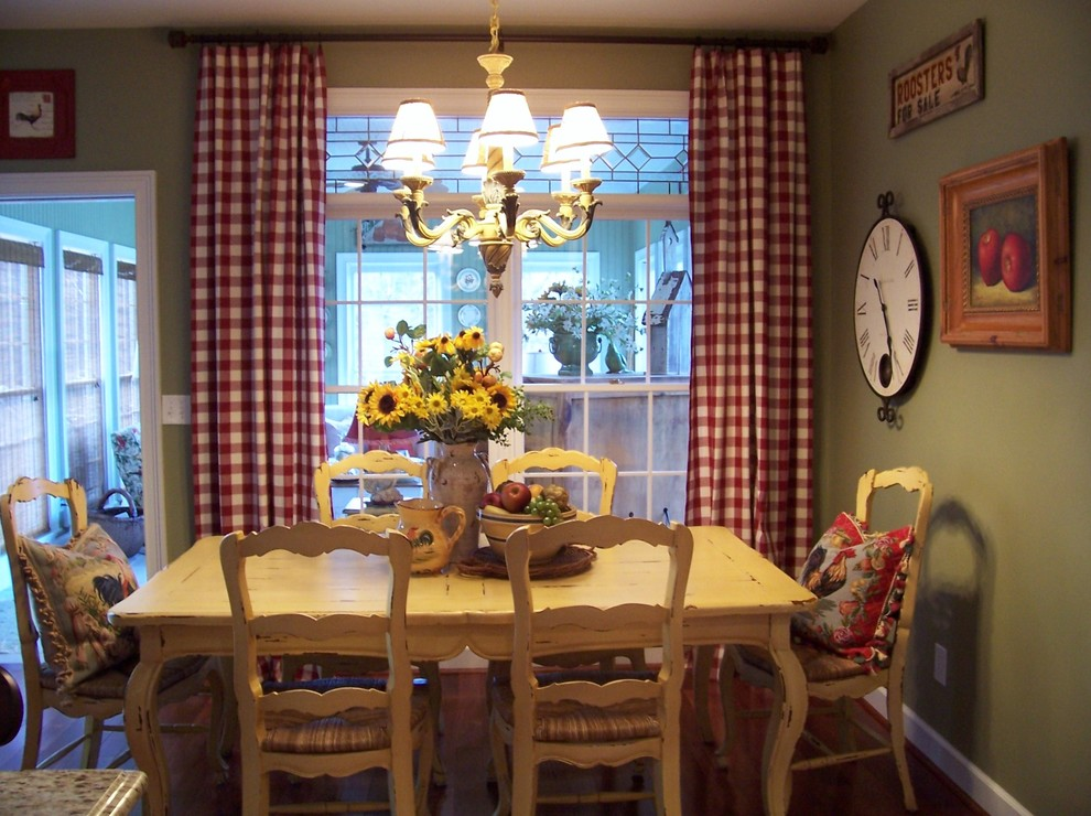 Dining room with French Provencal design