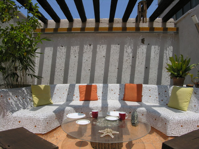 Patio with the beautiful mosaic sofa design
