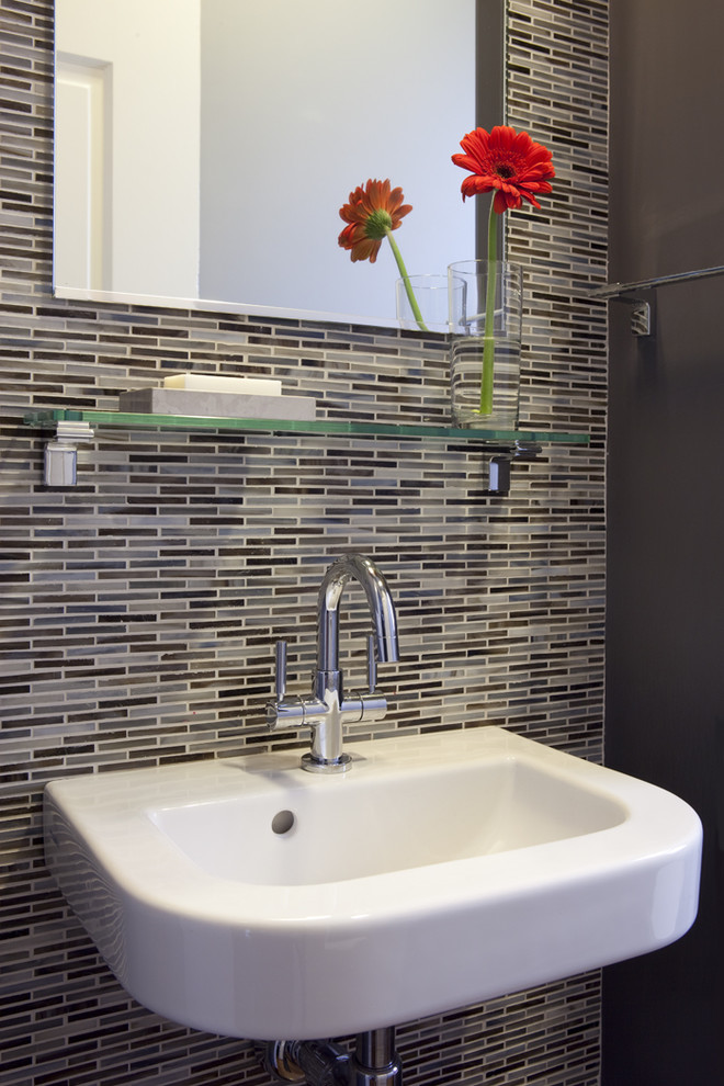 Bathroom with patterned tiles
