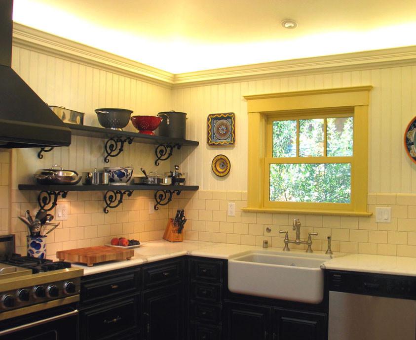 Kitchen with iron shelf brackets
