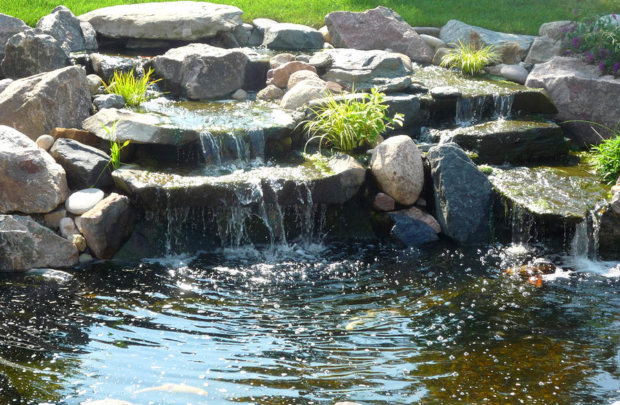 Beautiful garden pond waterfalls design ideas for Making a garden pond and waterfall