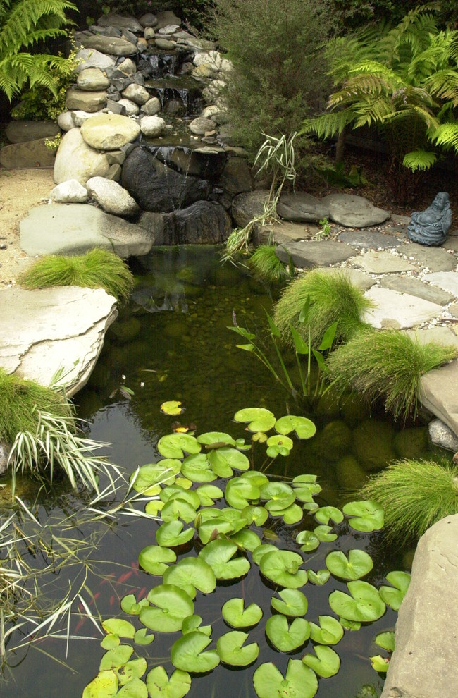 Beautiful garden pond waterfalls design ideas for Water pond design
