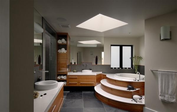 Amanda house bath