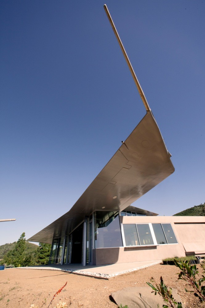 9-747-Wing-House