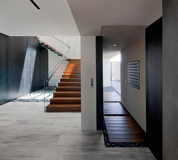 Tresarca House staircase